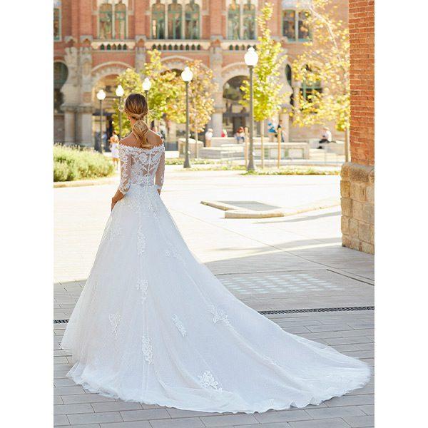 Luna Novias, bruidsmode, bruidsjurk, trouwjurk, boetiek de bruid, Harderwijk, bruid, boetiek, bruidswinkel, Gelderland, say yes to the dress, collectie, collectie 2022, trouwjurk 2022 collectie, bruidsmode 2022, weddingdress, bruidsmode Harderwijk, budgetjurk, gekleurde trouwjurk, bride, new bride, second bride, verloofd, japon, trouwjapon, jumpsuit